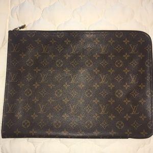 Louis Vuitton document case. 100% authentic.